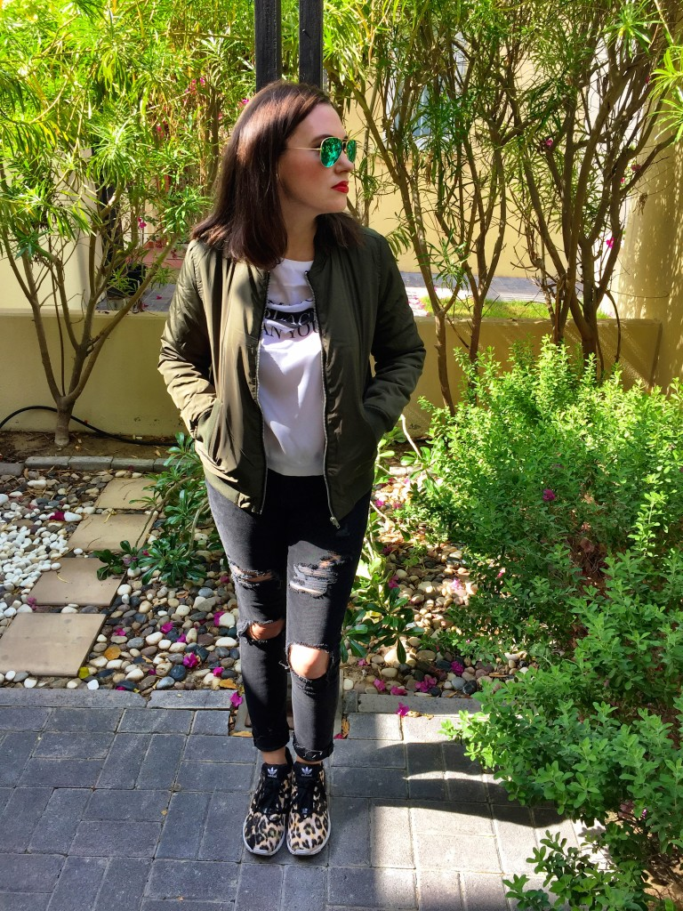 bomber-jacket-blog post-green-army-raybans-gingham and sparkle-casual-blogger-dubai-ireland-ripped jeans-1990's -return-cool-on trend-autumn-winter-back in fashion-forever 21