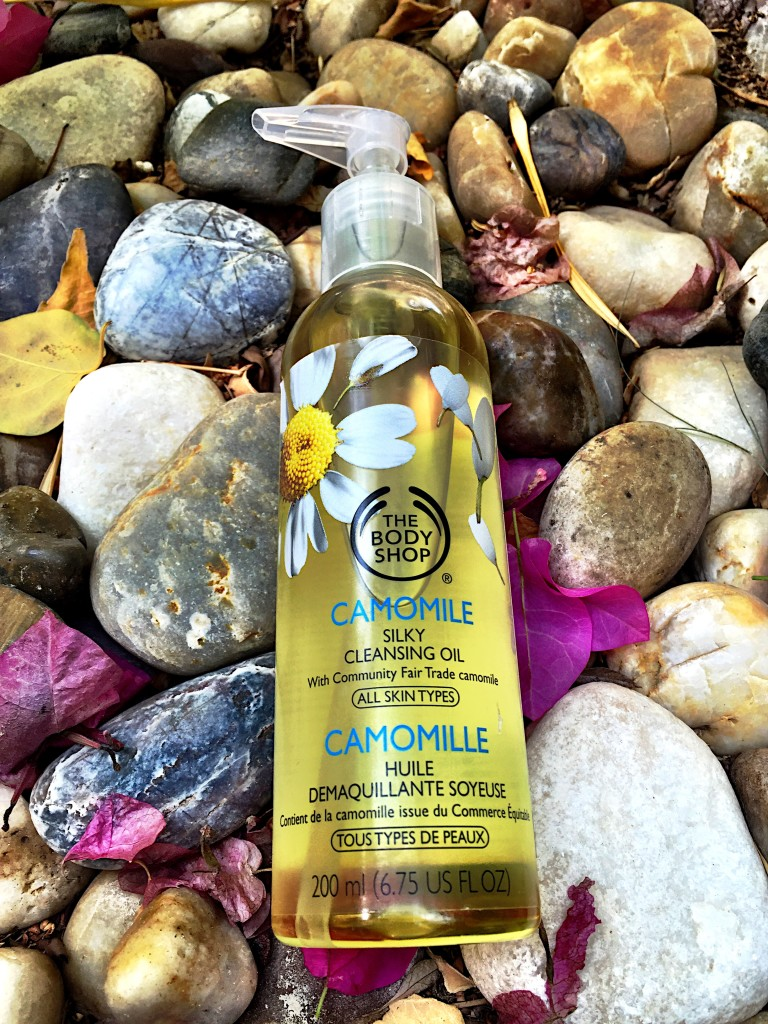 body-shop-product-review-camomile-cleanse-beauty-blog-post-blogger-gingham-and-sparkle-likes-clean-face-skin