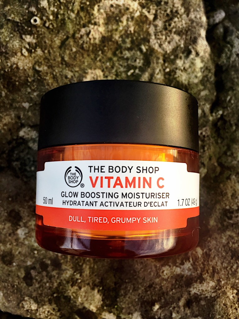 the-body-shop-vitamin-c-moisturiser-product-blog-post-review-skin-face-blogger-gingham-and-sparkle
