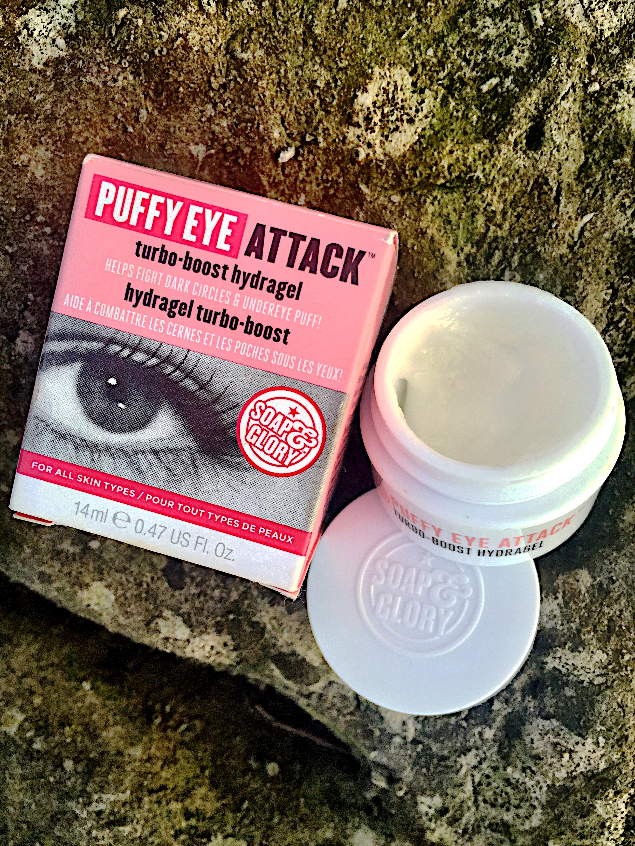 soap-and-glory-puffy-eye-attack-eye-cream-beauty-products-review-packaging-blog-post-gingham-and-sparkle-irish-ireland-dubai-pink-skin-skincare-face