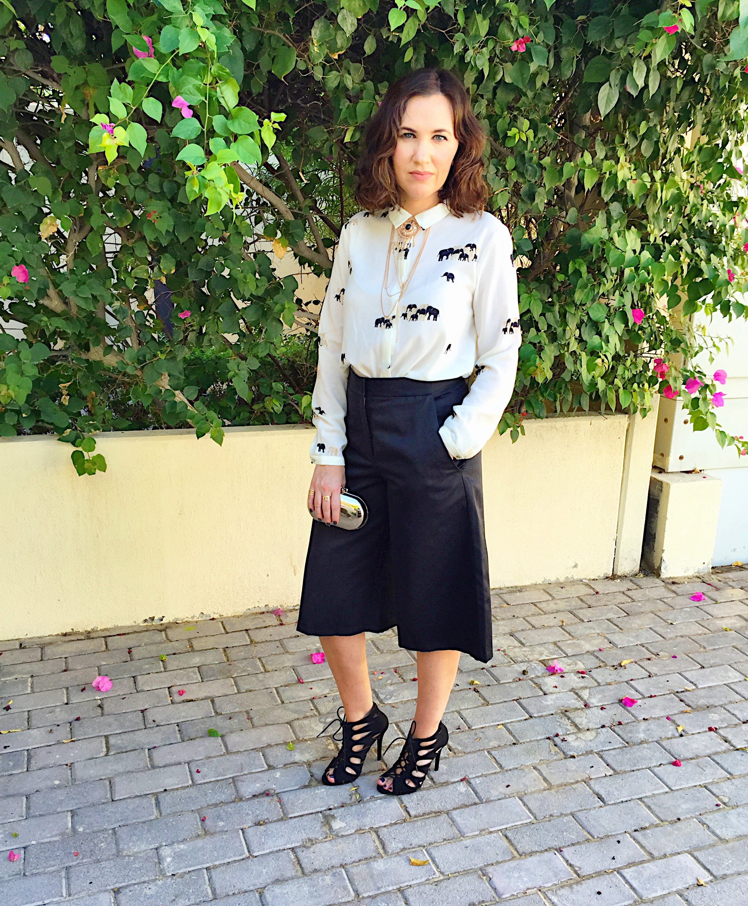 culottes-asos-black-white-monochrome-blog-post-blogger-gingham-and-sparkle-trend-fashion-style-dubai-ireland-irish-shoe-boots-fringe-stripes-bell-sleeves-zara-h&m-adidas-trainers-runners-3-styles-grey-jumper-elephant-print-blouse-shoe-boots-jacket-quay-australia-sunglasses-office-look-nighttime-bar-going-outculottes-asos-black-white-monochrome-blog-post-blogger-gingham-and-sparkle-trend-fashion-style-dubai-ireland-irish-shoe-boots-fringe-stripes-bell-sleeves-zara-h&m-adidas-trainers-runners-3-styles-grey-jumper-elephant-print-blouse-shoe-boots-jacket-quay-australia-sunglasses-office-look-nighttime-bar-going-out