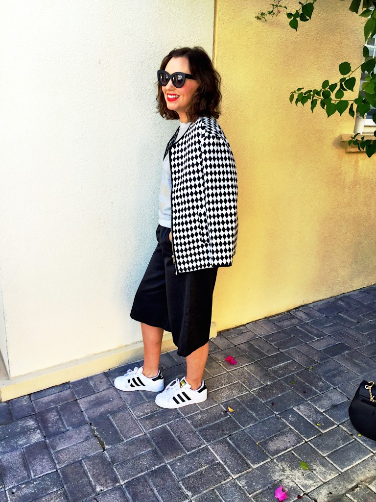 culottes-asos-black-white-monochrome-blog-post-blogger-gingham-and-sparkle-trend-fashion-style-dubai-ireland-irish-shoe-boots-fringe-stripes-bell-sleeves-zara-h&m-adidas-trainers-runners-3-styles-grey-jumper-elephant-print-blouse-shoe-boots-jacket-quay-australia-sunglasses-adidas-stan-smith-causal