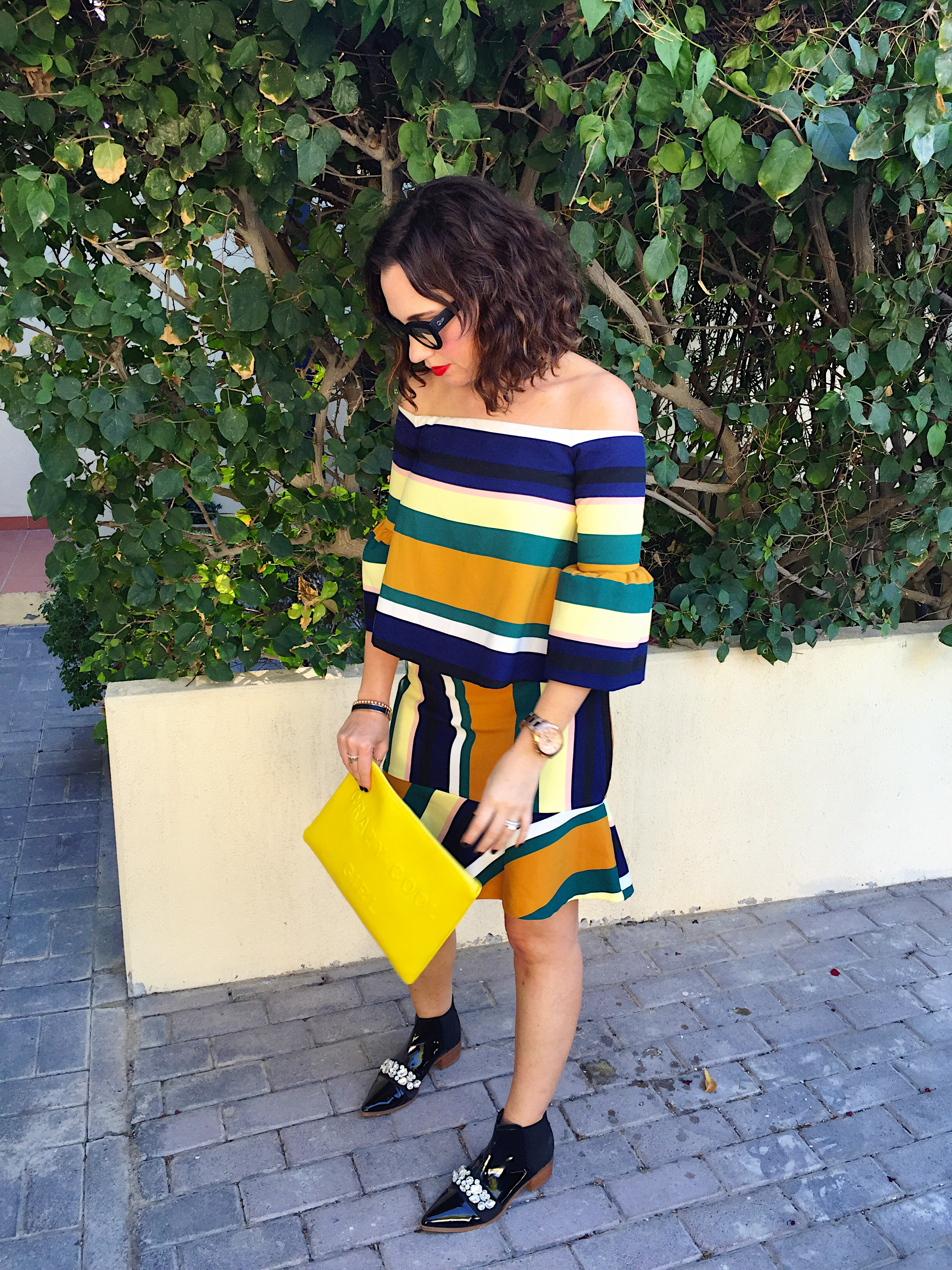 zara-cordinated-set-coord-blog-outfit-post-gingham-and-sparkle-strips-horizontal-navy-black-mustard-green-white-lemon-ss2016-spring-summer-new-stock-fashion-style-red-lips-yellow-clutch-asos-black-patent-pointy-toe-boots-jewels-quay-australia-kitti-sunglasses-sunnies-skirt-top-off-the-shoulder-dubai-ireland-two-piece