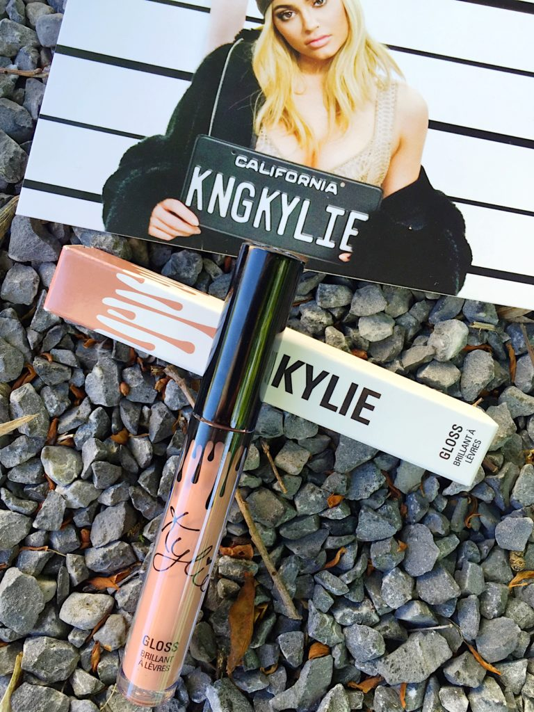 kylie-jenner-lipkits-cosmetics-beauty-lips-makeup-mua-kardashians-glam--lipstick-matte-gloss-maryjo-koko-posie-like-literally-socute-online-shopping-internet-metallics-love-blogger-snapchat-instagram-gingham-and-sparkle-review-products-blog-post-red-nude