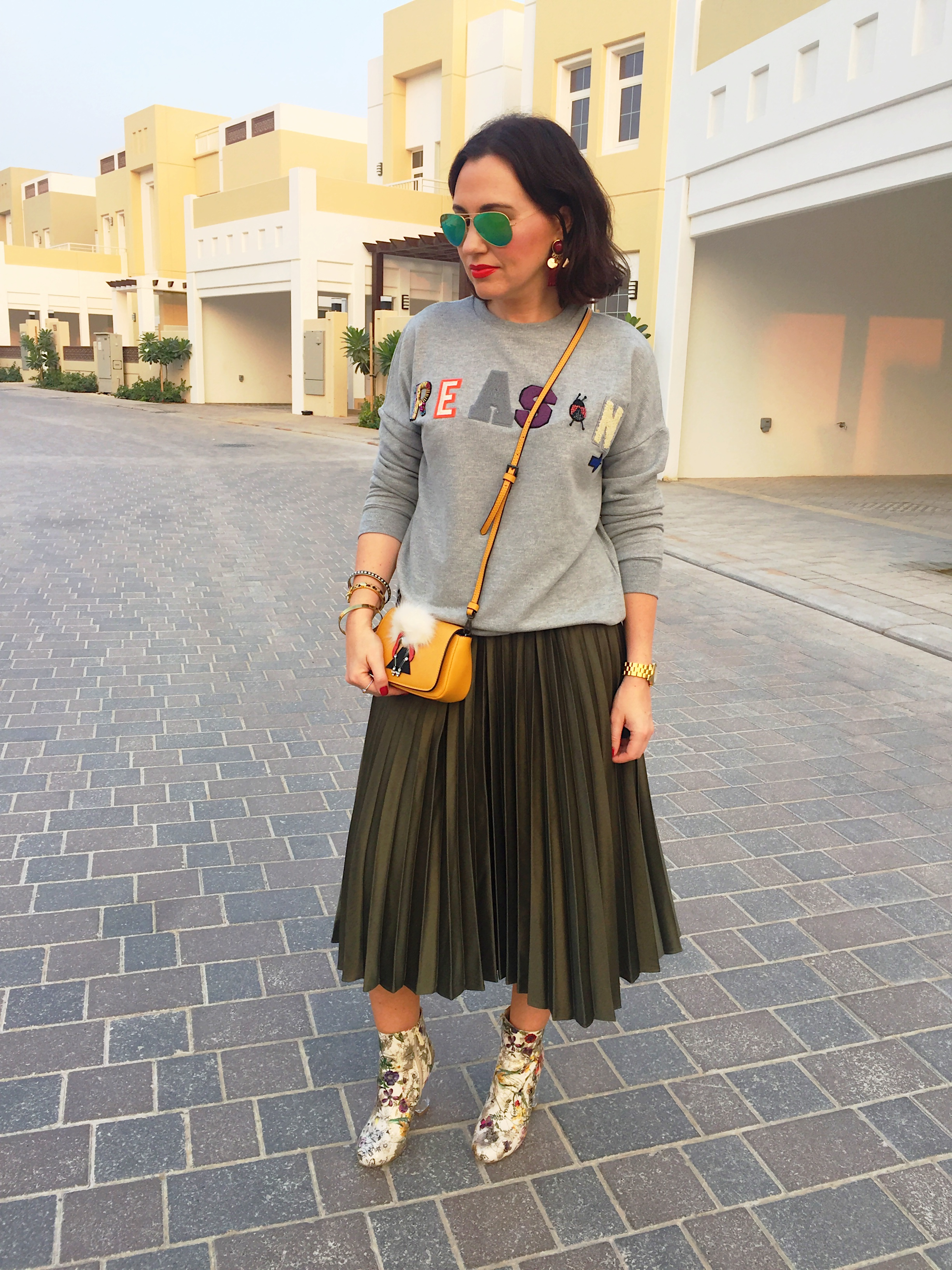 Pull and bear green skirt